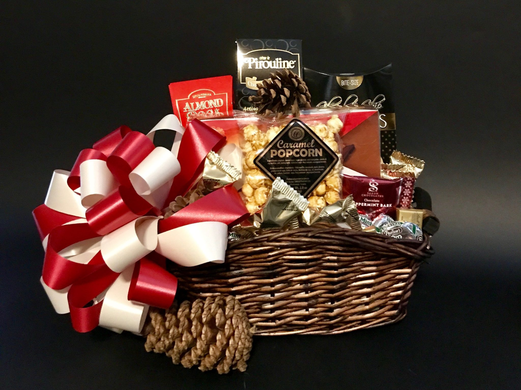 Gift baskets delivered to calgary okotoks airdrie and areas christmas chocolate greetings negle Images